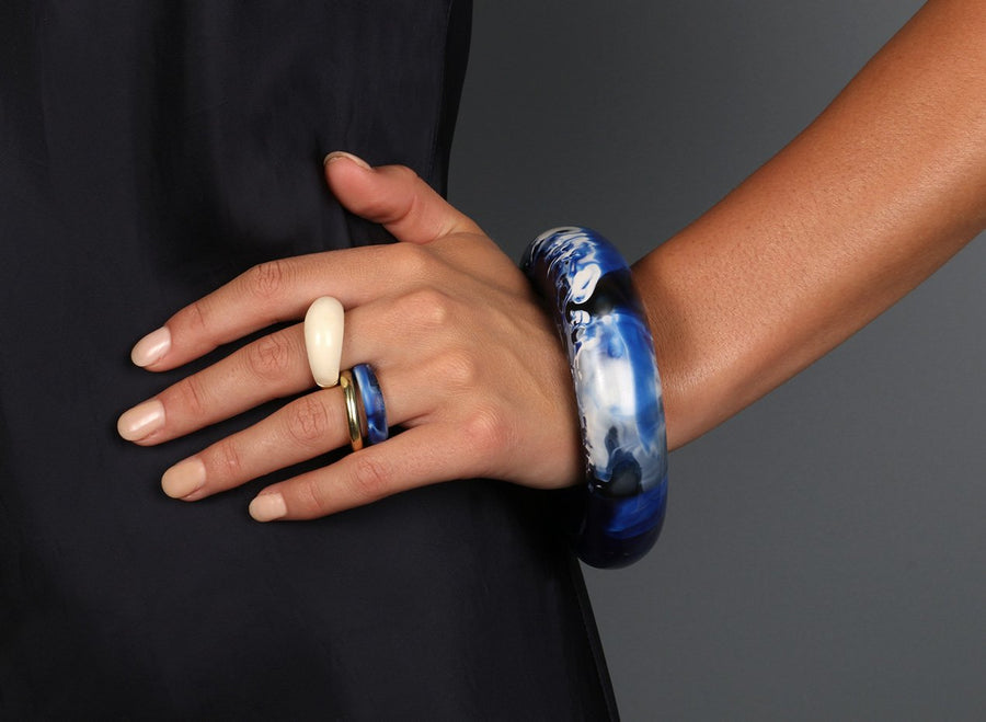 Large Resin Round Bangle - Lapis Swirl