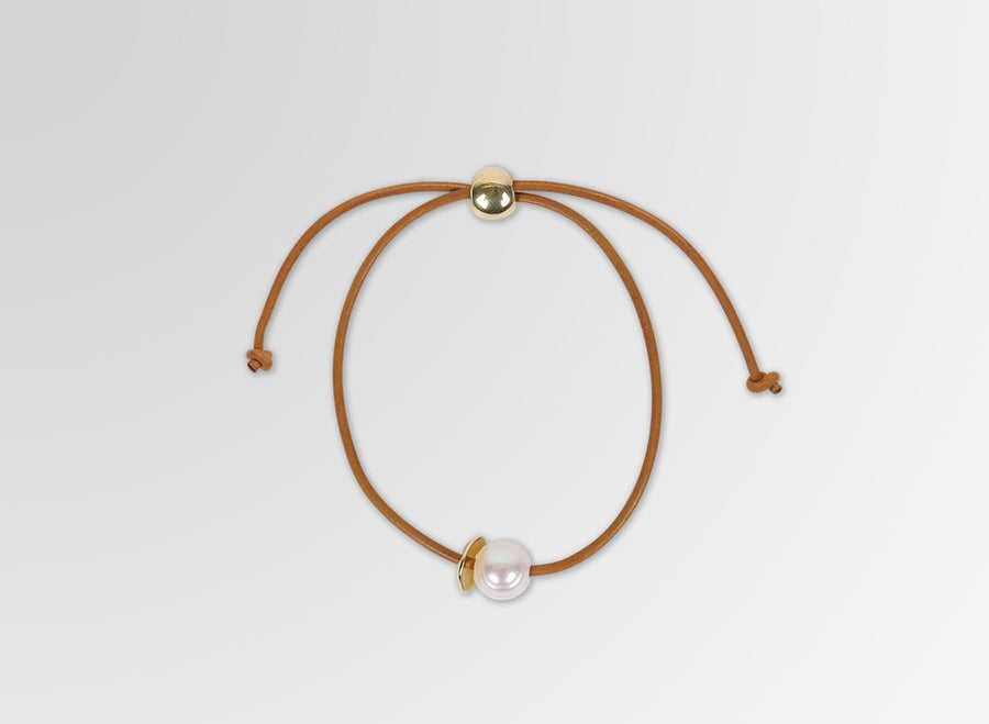 Pearl on Leather Bracelet