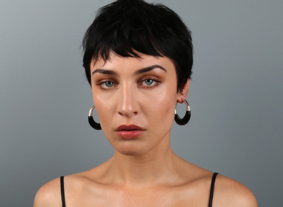 Medium Horn Hoop Earrings - Black