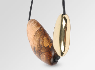 Resin and Brass Stone 1 Necklace - Dark Horn