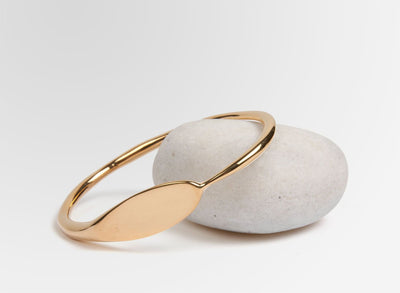 Louise Olsen Hug Bangle - Gold