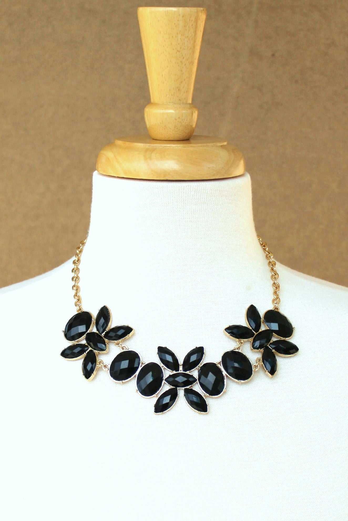 Marquise Necklace, Black