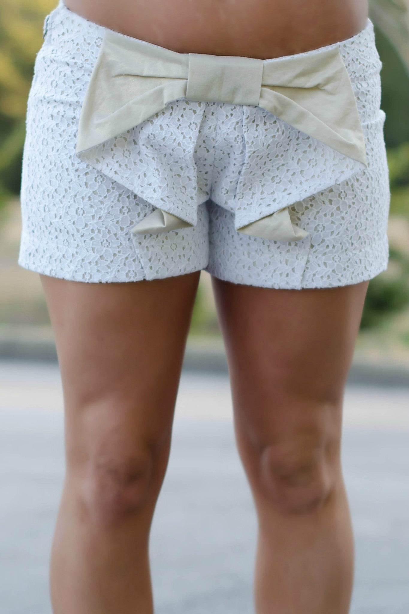 Judith March: Heidi Shorts, Ivory/Gold