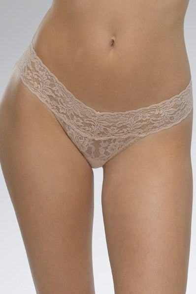 Hanky Panky: Signature Lace Low Rise Thong, Chai