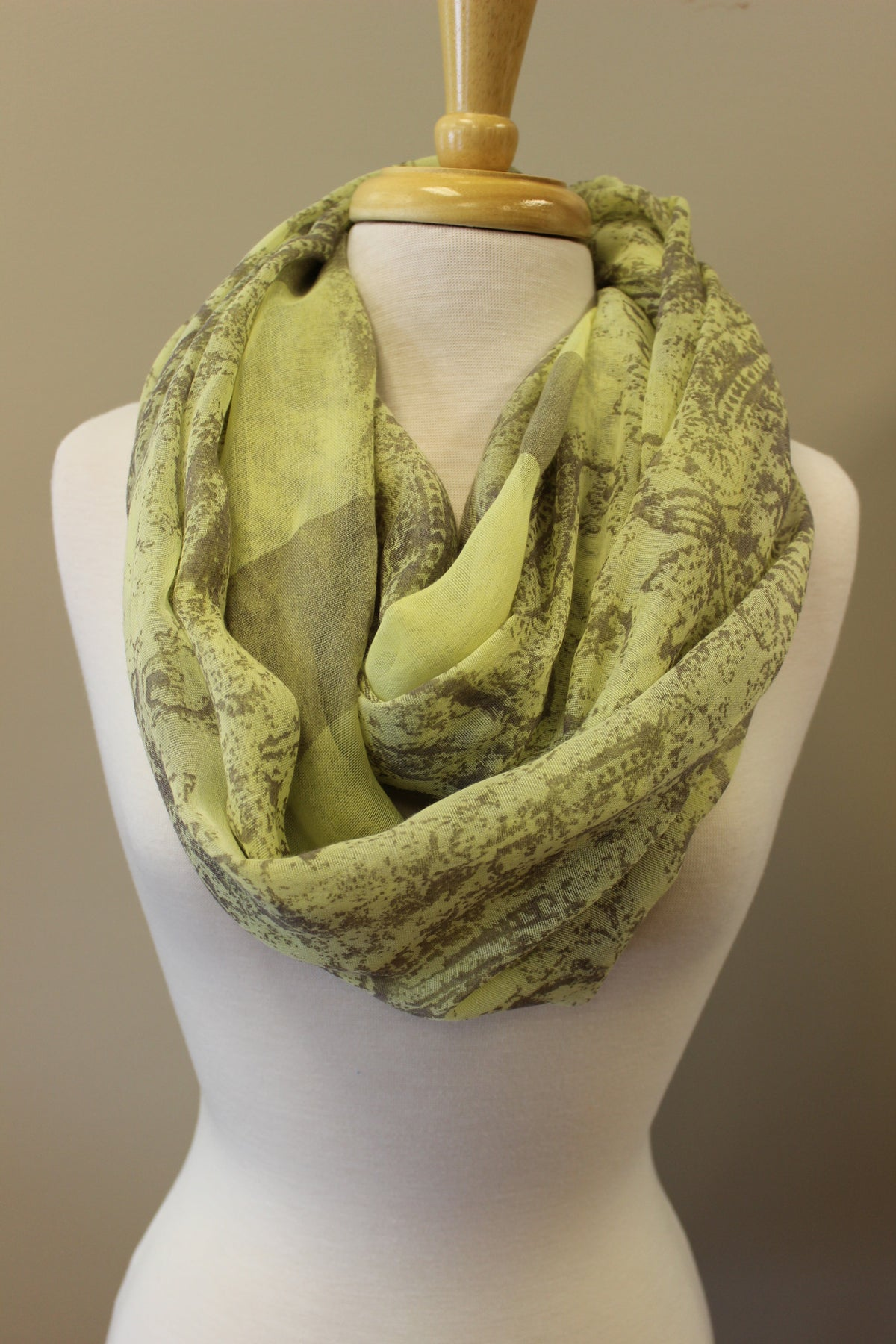 Sue Infinity Scarf, Green