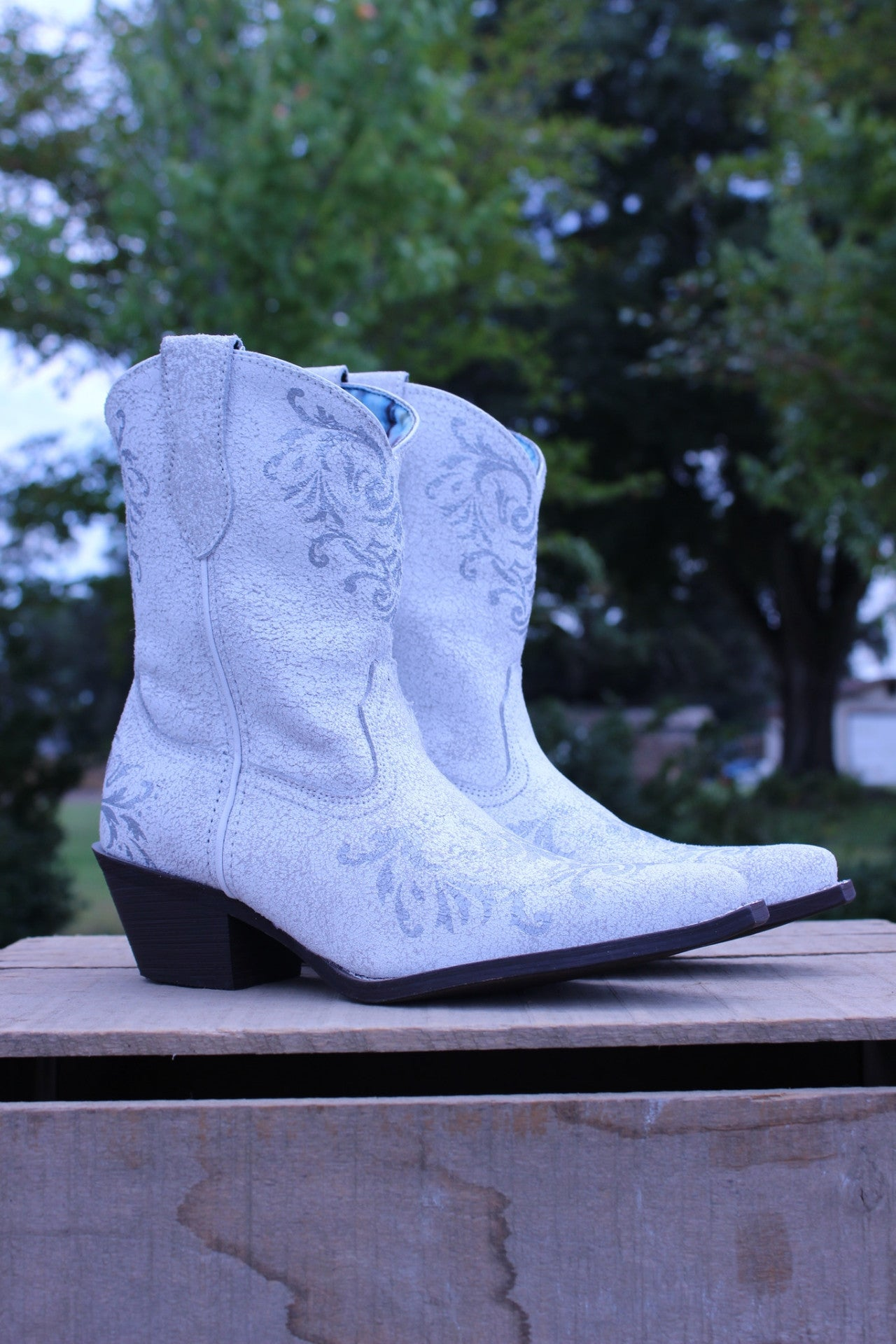 Laredo: Medallion Boot, White