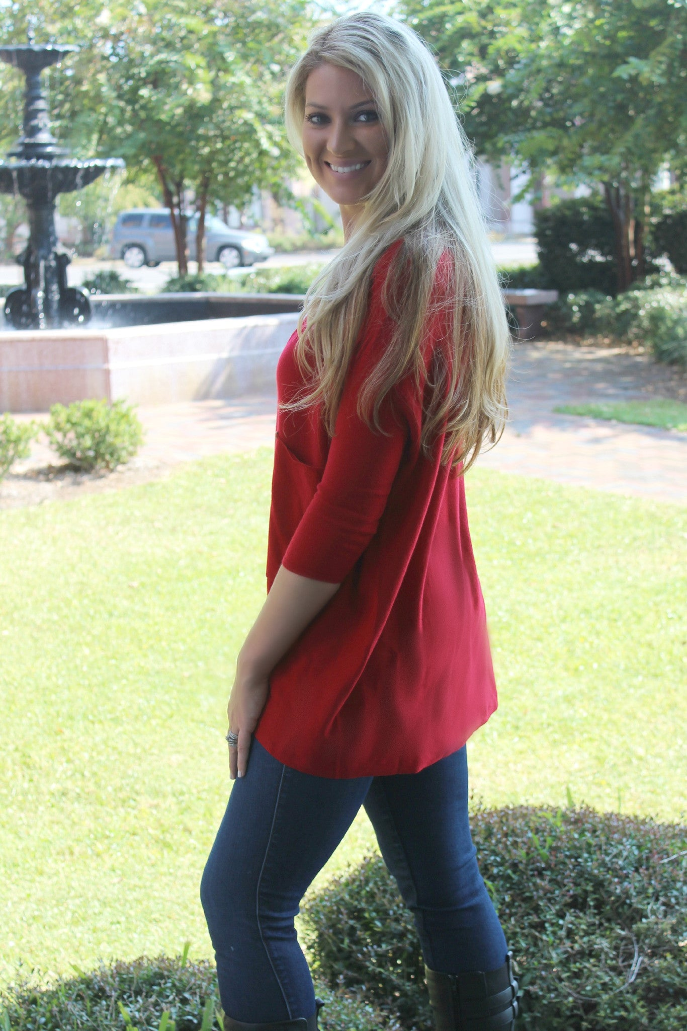 Raven Top, Red