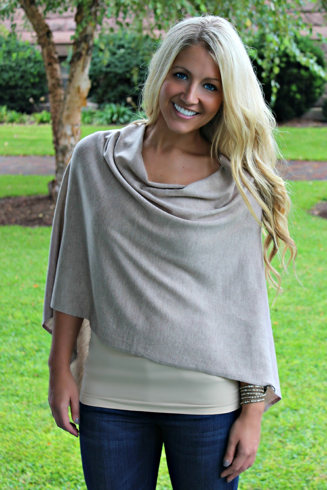 Eden Poncho, Taupe