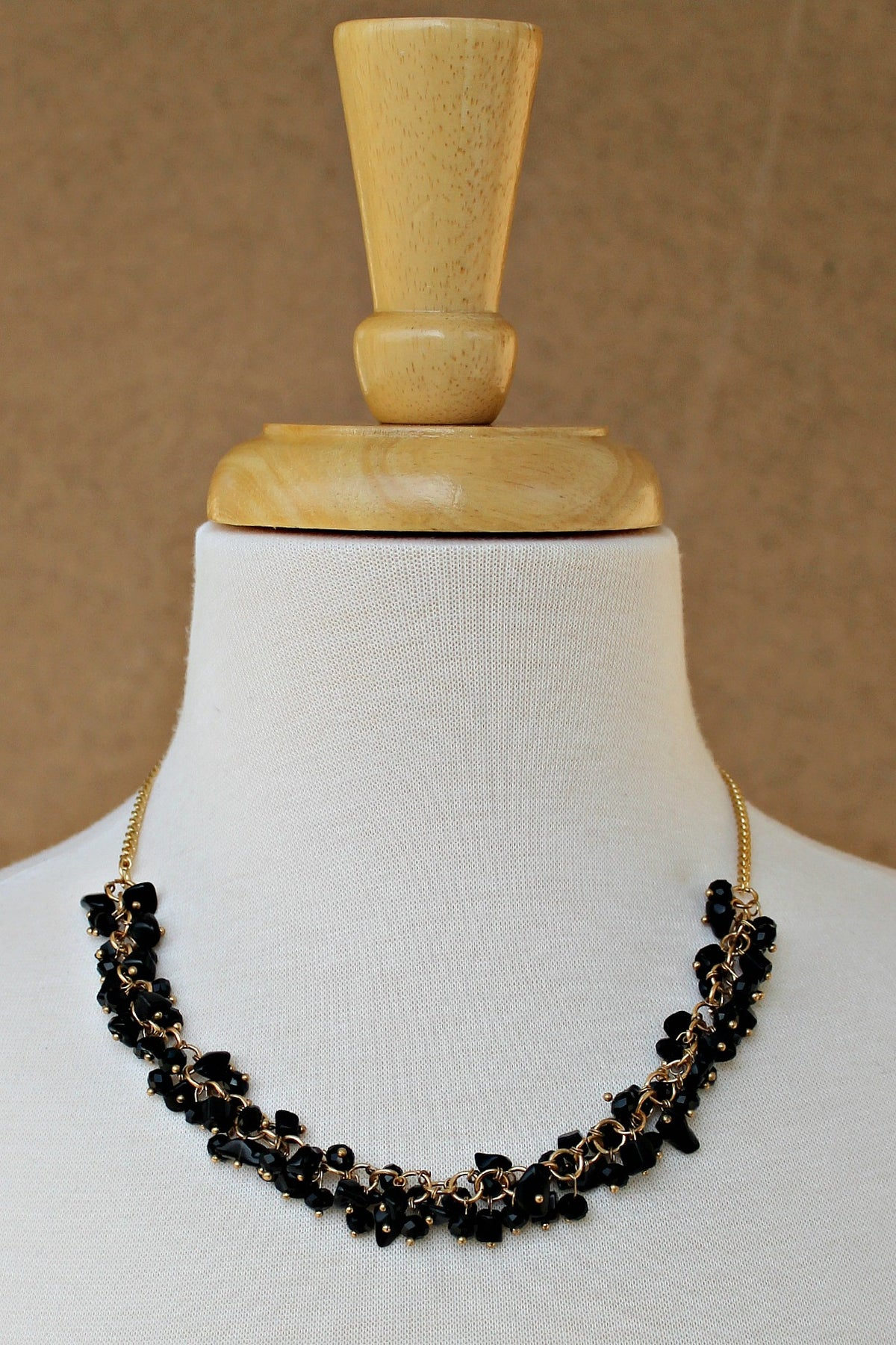 Cluster Chip Beads Necklace, Black