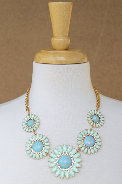 Graduated Daisy Statement Necklace, Mint