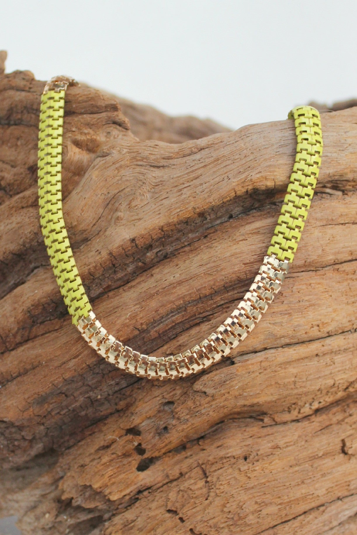Colorblock Serpentine Necklace, Lime