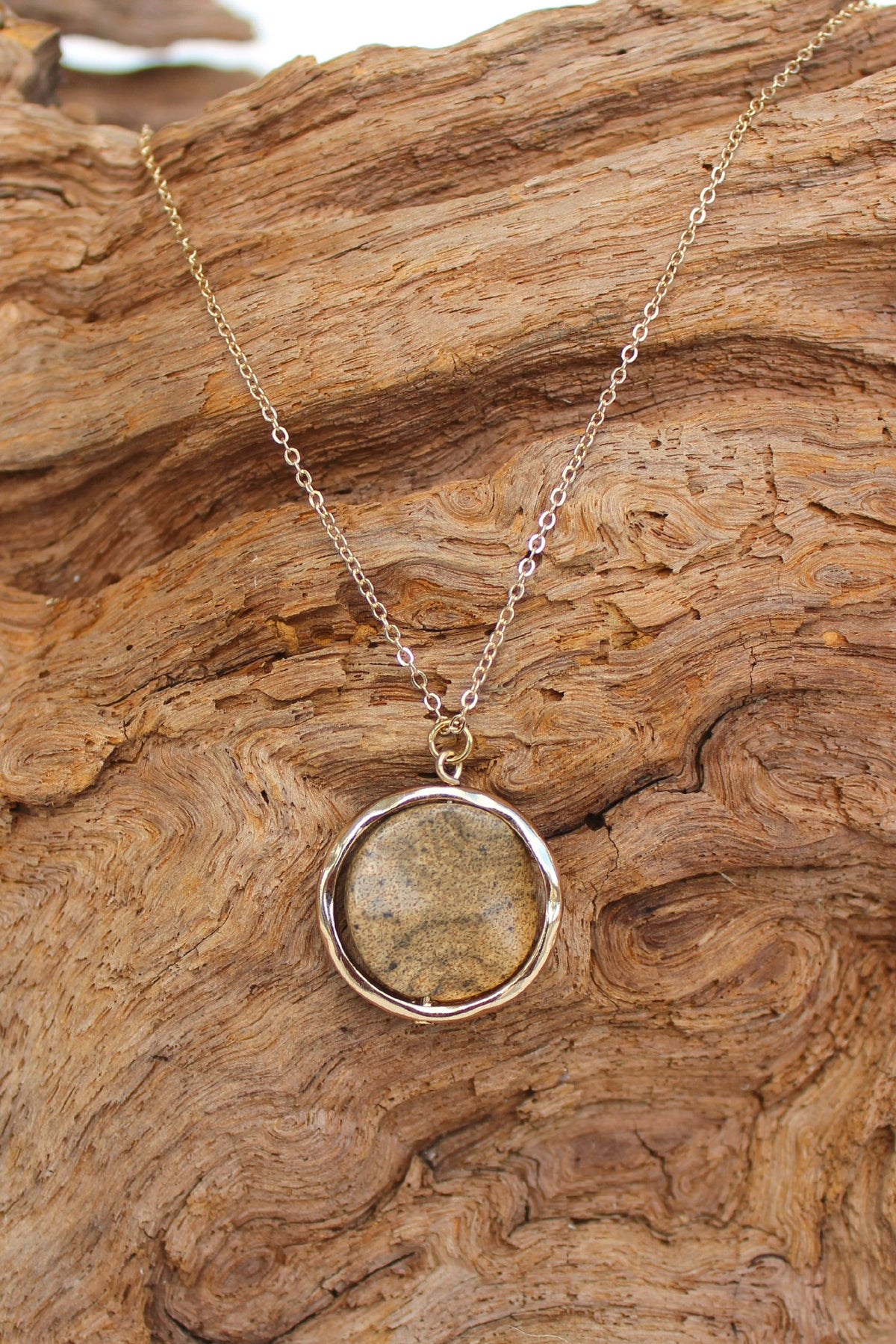 Round Stone Necklace, Brown