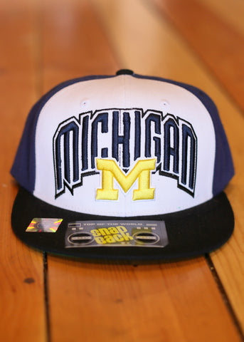 Michigan Snap back bulue gold and whit, black bill