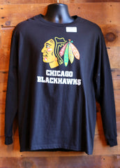 Men's Long Sleeve T-Shirt Chicago Blackhawks with logo on front