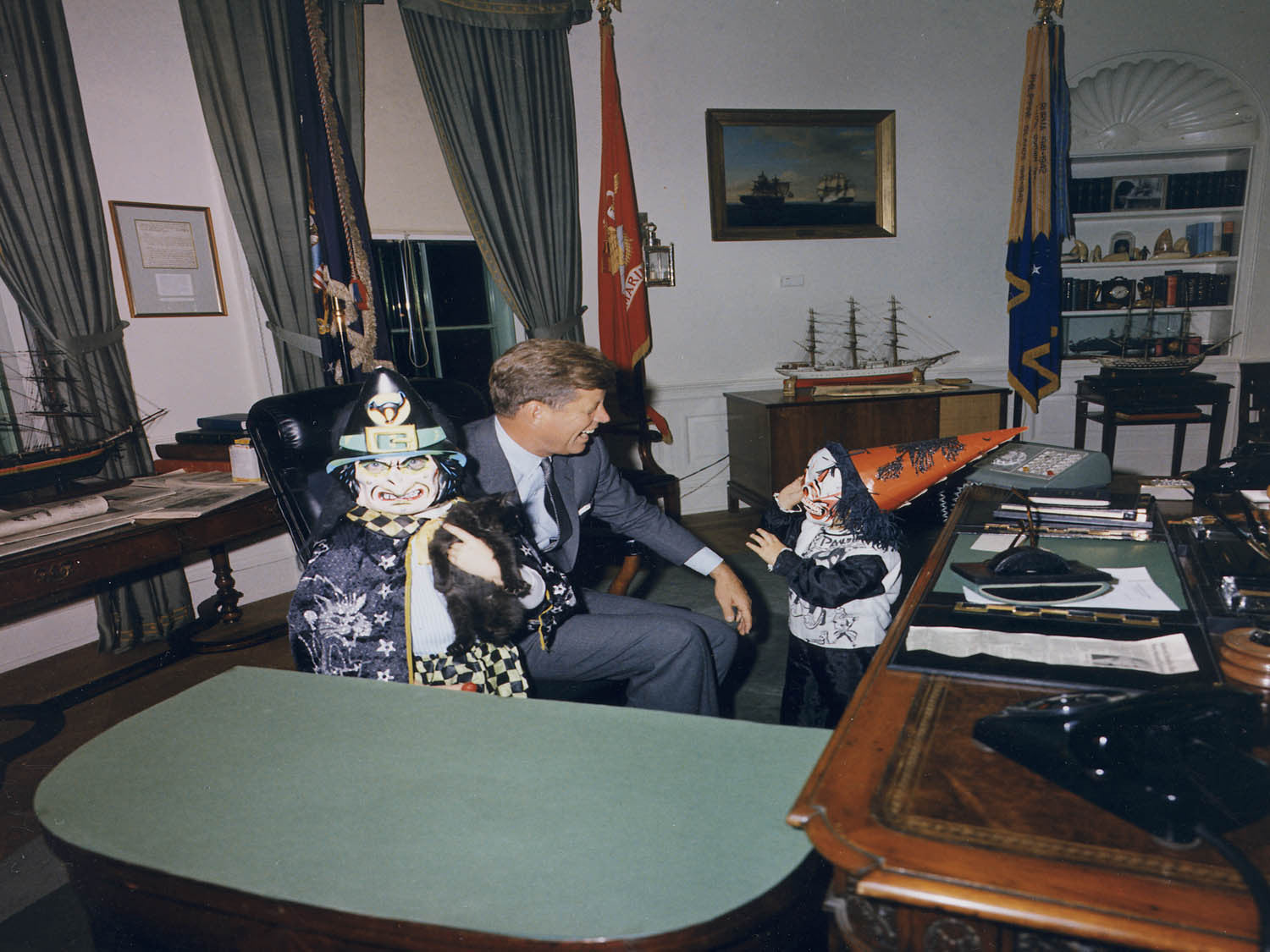 john f kennedy oval office. Halloween Visitors To The Oval Office. Caroline Kennedy, President John F. Jr. White House, Office F Kennedy