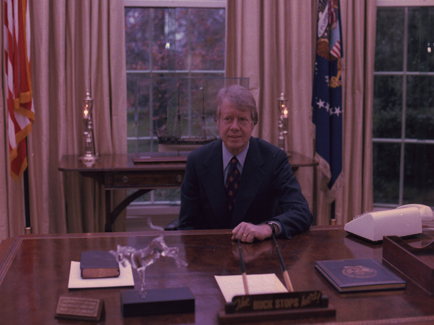 jimmy carter oval office. Jimmy Carter At His Desk In The Oval Office L