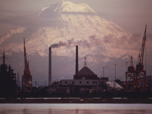 MOUNT RANIER AND THE TACOMA INDUSTRIAL WATERFRONT