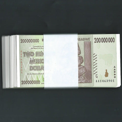 P.81 Zimbabwe 200 Million Dollars, bundle of 100 notes (2008) UNC