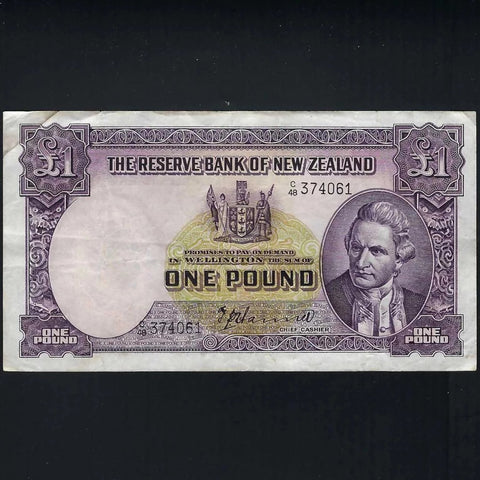 P.159a New Zealand £1 (1940-55) Captain Cook, Hanna signature, Good Fine