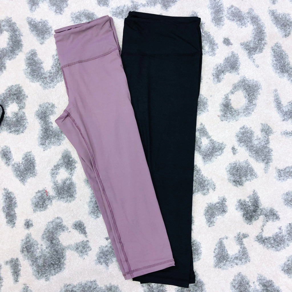 Monogram Colton Capri Leggings