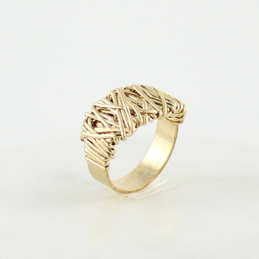 The Everyday Ring | Magpie Jewellery | Yellow Gold | Detail Shot