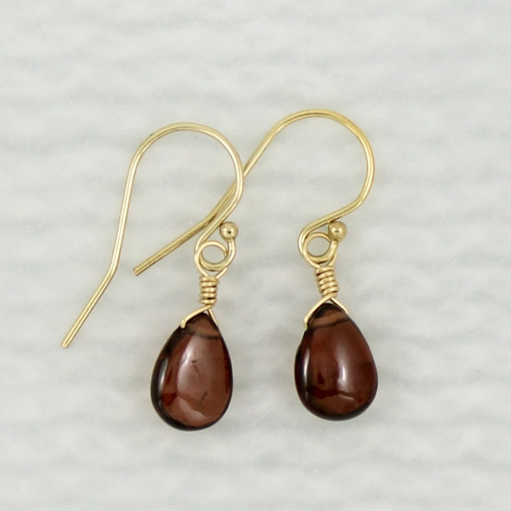 Gemstone Solo Earring | Magpie Jewellery | Yellow Gold | Garnet