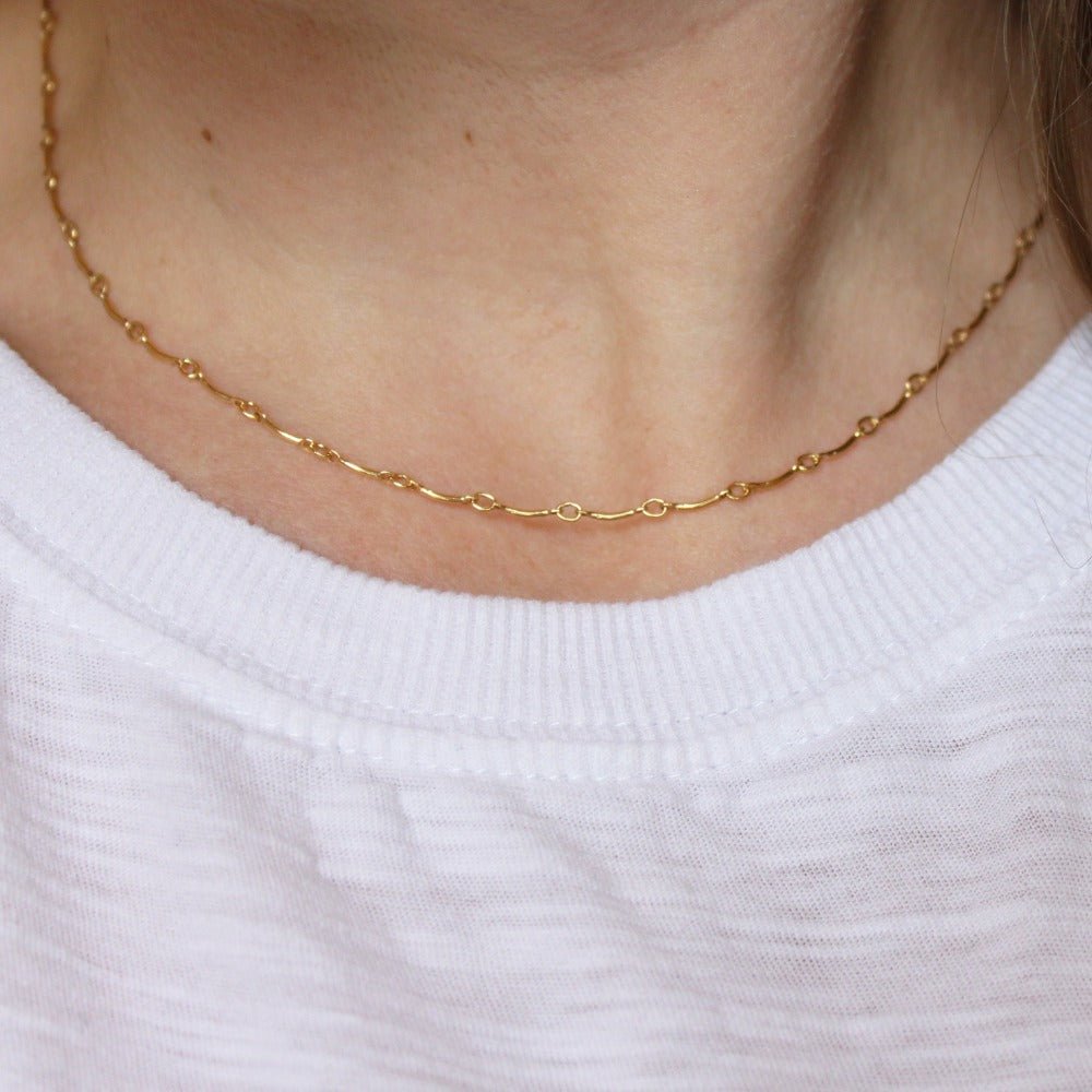 Curved Bar Chain | Magpie Jewellery | Yellow Gold | On Model | 16""