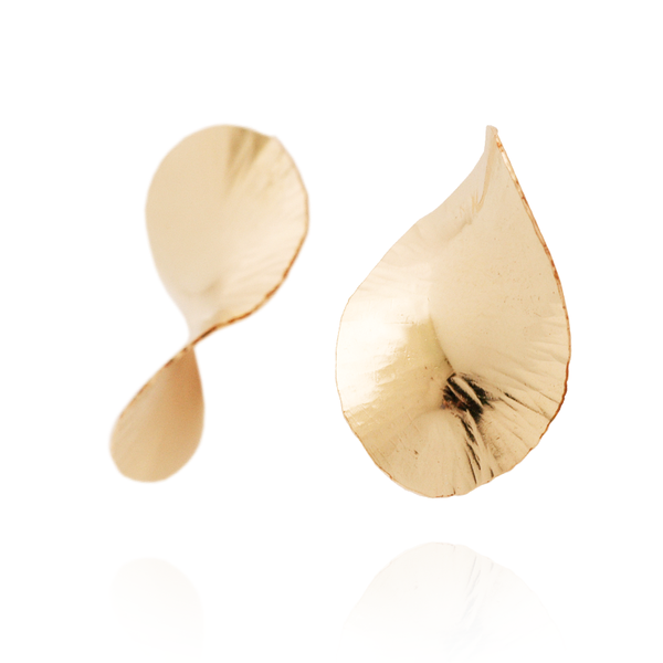Infinity Hammered Oval Studs (14K Gold)