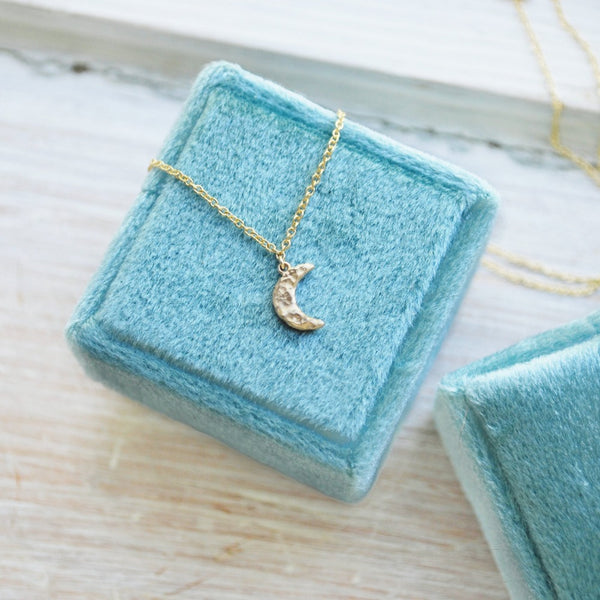 14ky Tiny Crescent Moon Necklace