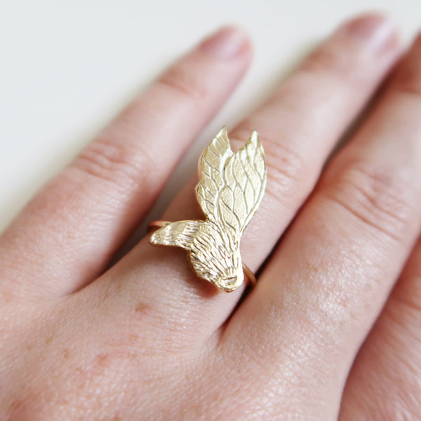 Flying Bee Ring
