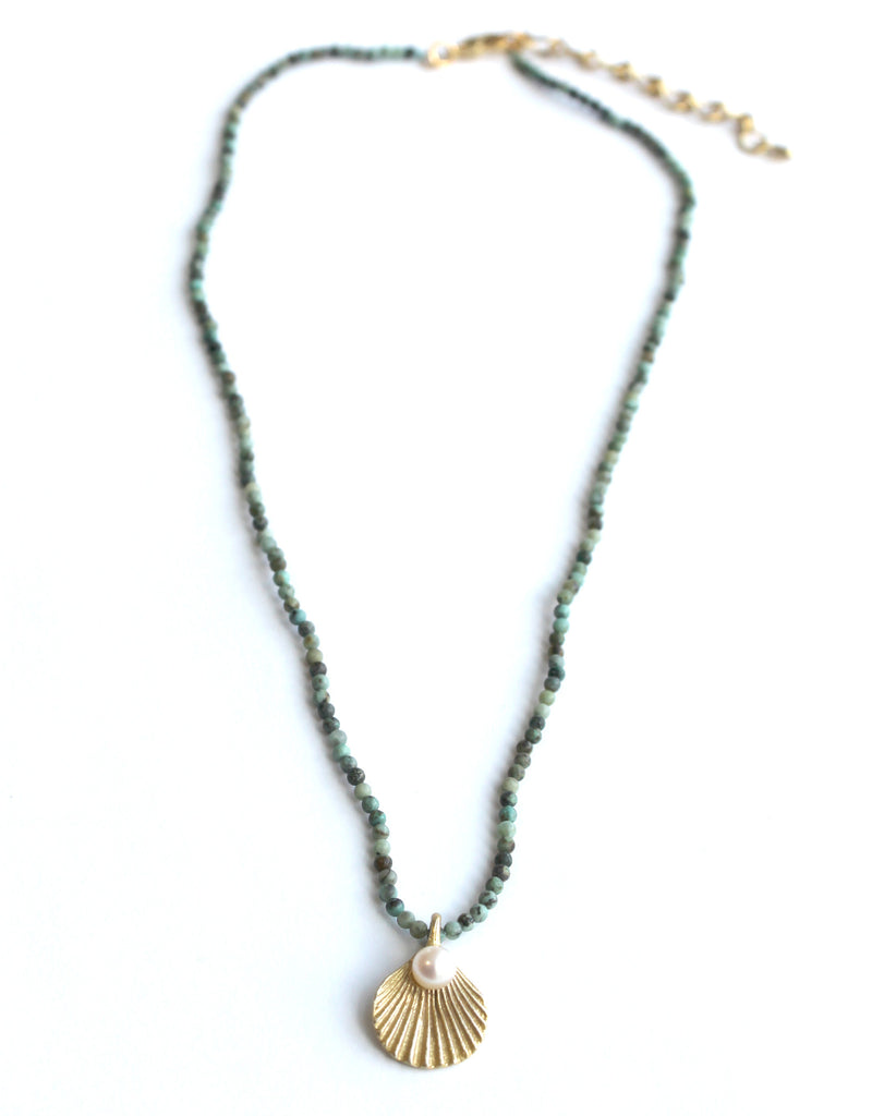 Wedding Gift Ideas Over USD500 : Sea Scallop Pearl Shower necklace Magpie Jewellery