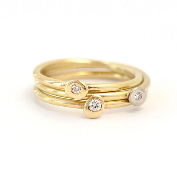 The Diamond Freckle Ring - 18KY