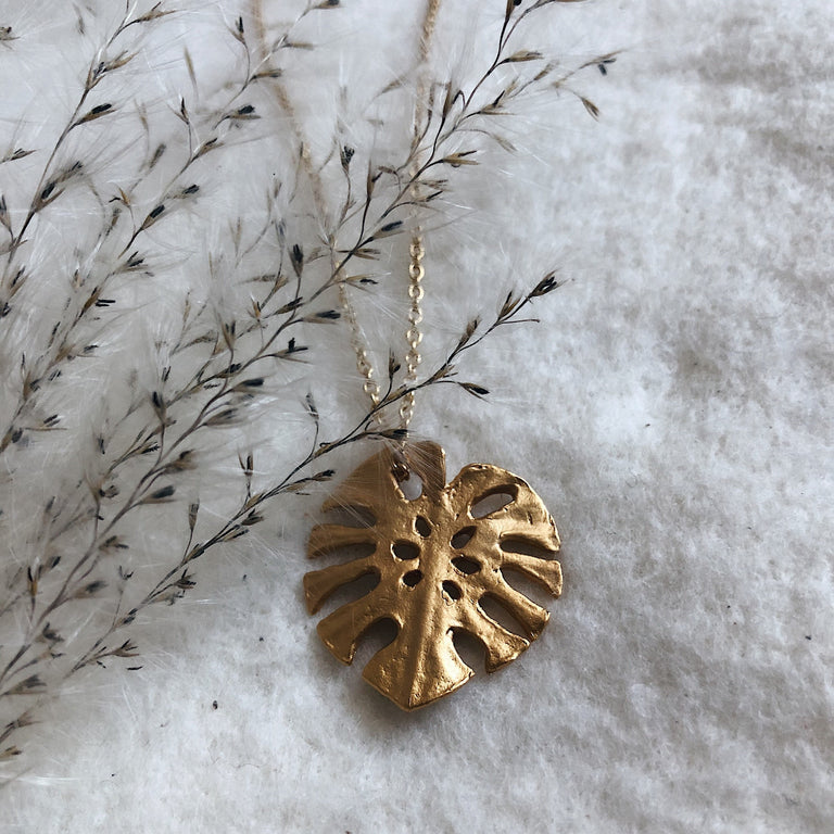 Monstera Single Leaf Pendant Necklace