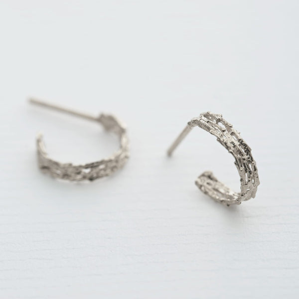 Nest Structure Mini Hoop Earrings