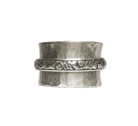 Hammered Band with Oxidized Floral Spinner