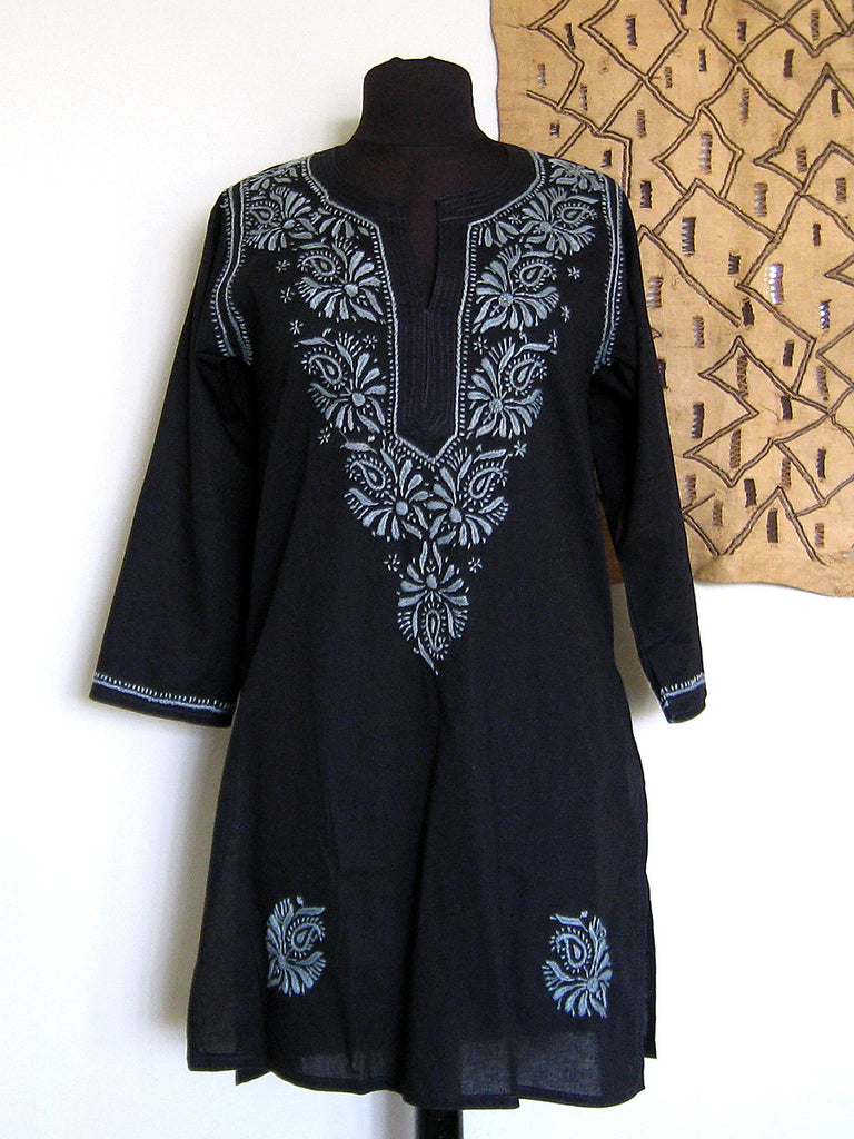 Lucknow, India: Black & Grey Embroidered Kurta