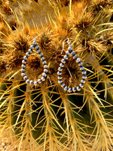 Load image into Gallery viewer, Navajo Pearl Earrings