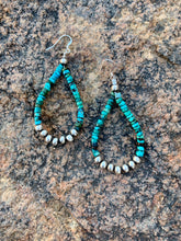 Load image into Gallery viewer, Turquoise and Navajo Pearl Earrings