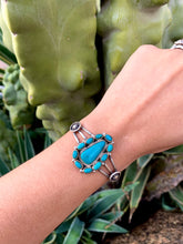Load image into Gallery viewer, Turquoise Multi Stone Cuff