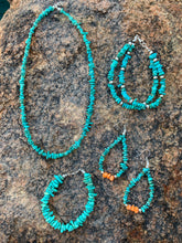 Load image into Gallery viewer, Turquoise Chip Necklace