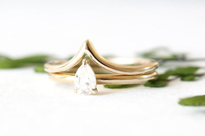 14k GIA pear diamond tristan ring | Andrea Bonelli Jewelry