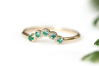 14k emerald cinq ring | Andrea Bonelli Jewelry