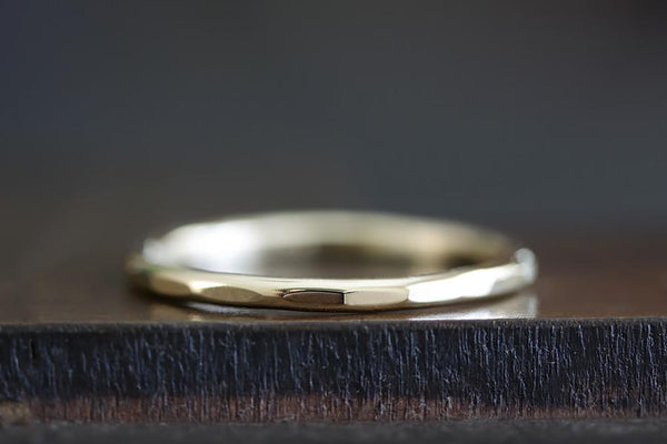 14k hammer facet ring