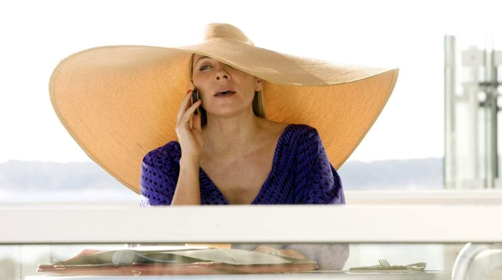 Samantha Jones from SATC wearing a large floppy hat