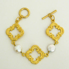 Handcast Gold Clover and Freshwater Pearl Bracelet