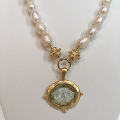 Clear Venetian Glass Bee Intaglio on Genuine Freshwater Pearl Necklace