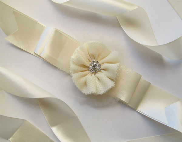 Ivory sash with flower. Sash01