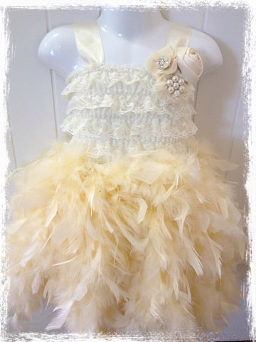 VINTAGE BABY TO GIRL IVORY LACE FEATHER DRESS. TUFW70