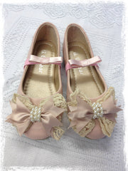 Girl pink & ivory vintage shoes. Shoes05