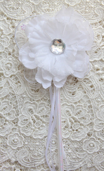 White or ivory peonie flower fairy wand. Wand05